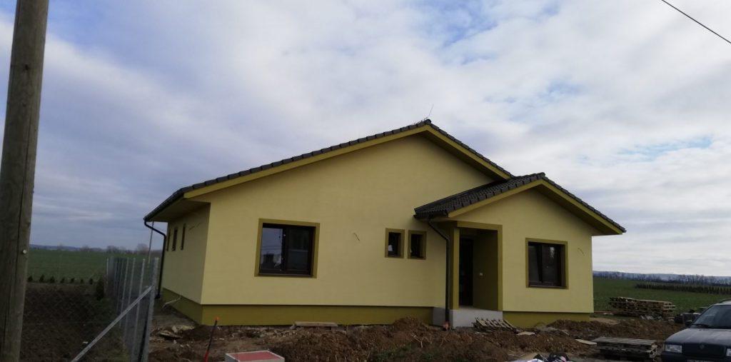 Montovaný dom v Mojzesove